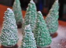 How To Make Easy Christmas Tree Cupcakes